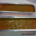 עוגת גזר - בלילת העוגה בתבניות