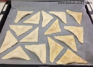 בורקס גבינה - לפני אפייה