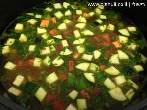 מרק ירקות - הוספת המים
