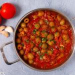 זיתים ברוטב עגבניות